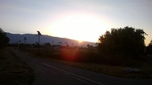 Sonnenaufgang über den Bergen von Santa Barbara.